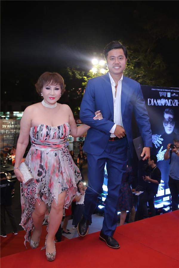 Đông đảo nghệ sĩ đổ bộ đêm mở màn siêu show bạc tỉ của Mr Đàm - Tin sao Viet - Tin tuc sao Viet - Scandal sao Viet - Tin tuc cua Sao - Tin cua Sao