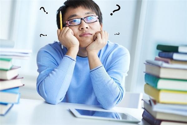 Có nên đi làm để lấy kinh nghiệm trước khi học tiếp lên văn bằng cao hơn?