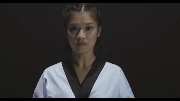 Một số hình ảnh trong teaser 2 của #Ngunglamban.