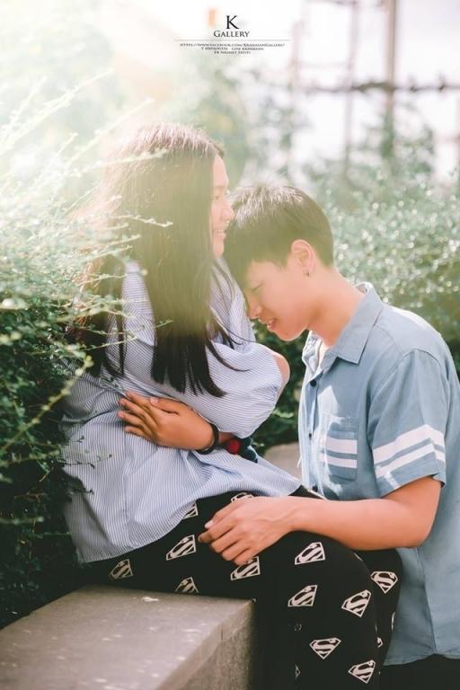 Xuất hiện trên một diễn đàn của Thái Lan, cặp đôi với vóc dáng chênh lệch đã nhanh chóng thu hút được sự quan tâm của cư dân mạng.