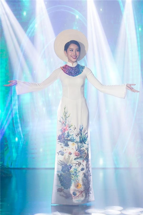 Chung kết Miss Earth 2016 dự kiến sẽ diễn ra vào cuối tháng 10/2016 tại Philippines với sự tham gia của các người đẹp đến từ khoảng 90 quốc gia, vùng lãnh thổ khắp thế giới.
