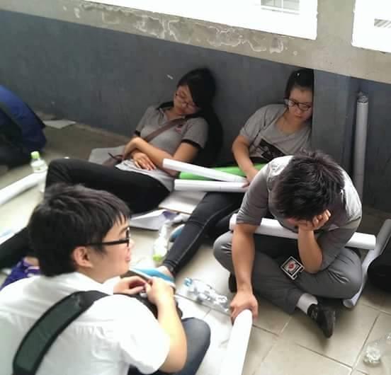 Cảnh thường thấy tại đại học kiến trúc.(Ảnh: Facebook Kênh Kiến Trúc)
