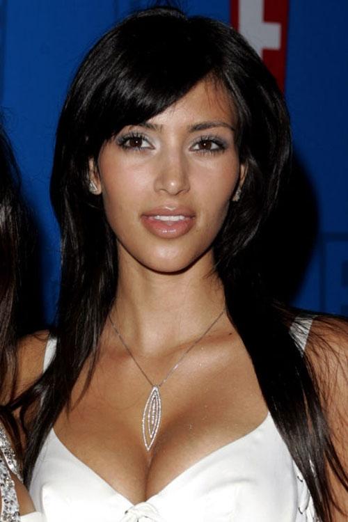 Vào năm 2005, Kim Kardashian đã bắt đầu được dư luận biết đến, tuy nhiên cô nàng chưa bao giờ được đánh giá cao về nhan sắc cũng như phong cách thời trang của mình.