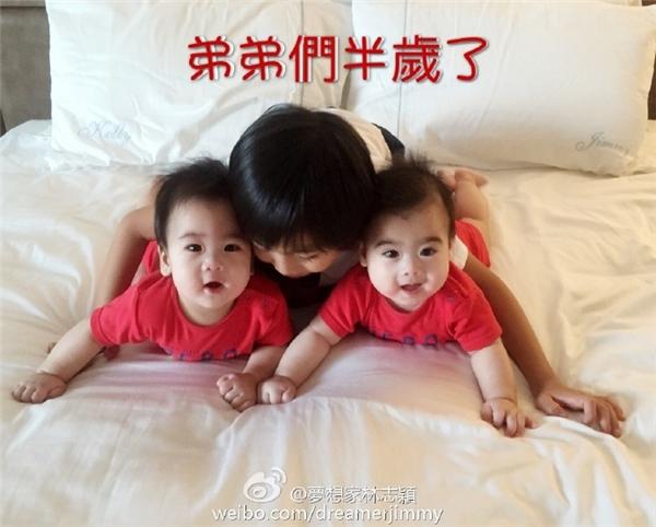 Chết ngất với độ đáng yêu của hai cục cưng bảo bối nhà Lâm Chí Dĩnh