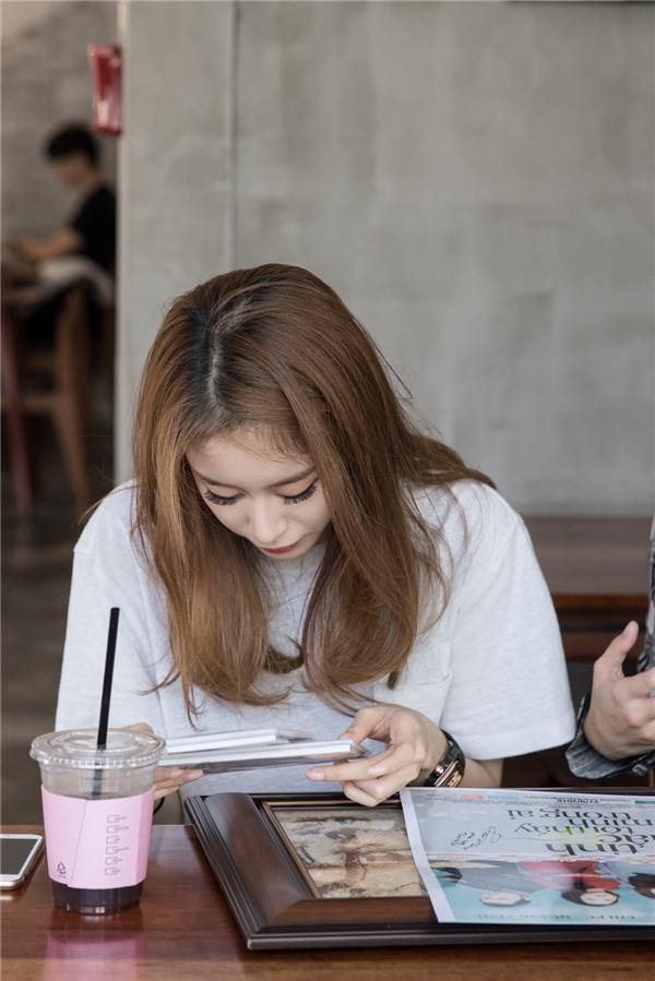 Jiyeon là thành viên T-ara mà Chi Pu yêu thích nhất.Nữ diễn viên thấy hạnh phúc khi có dịp gặp gỡ cùng nhau. - Tin sao Viet - Tin tuc sao Viet - Scandal sao Viet - Tin tuc cua Sao - Tin cua Sao
