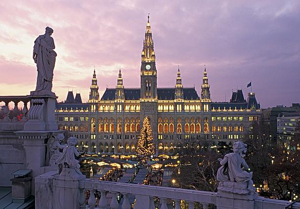 """Vienna - Thành phố của những giấc mơ: Tên này có nguồn gốc từ tiếng Celtic, mang ý nghĩa """"tươi sáng"""" và """"công bằng""""."""