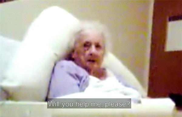 Cụ bà Yvonne đã321 lần kêu nhờ giúp đỡ nhưng không ai lên tiếng.