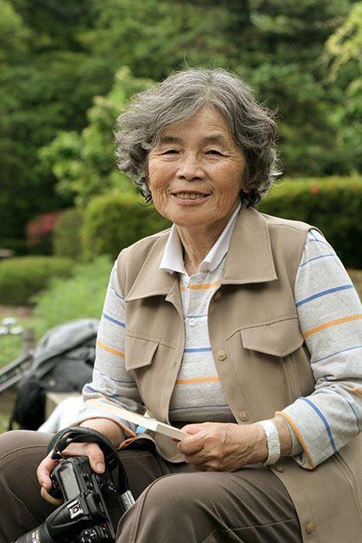Được chồng khích lệ, cụ Kimiko tham gia khóa học cơ bảnvề nhiếp ảnh và bắt đầu tập tành chụp ảnh từ đó.
