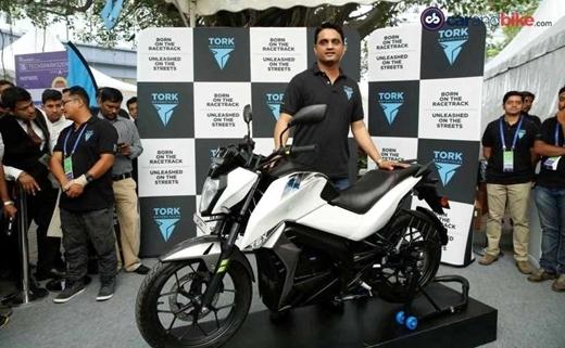 Sau hơn 7 năm nghiên cứu, Ấn Độ đã cho ra mắt chiếc môtô điện đầu tiên.