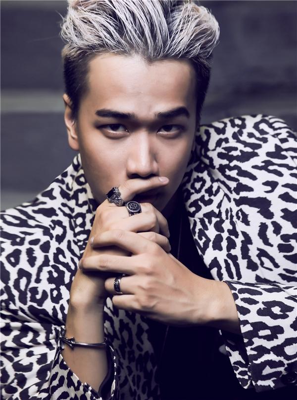 Mặc lùm xùm, ca khúc mới của thầy trò Lou Hoàng vẫn đạt view