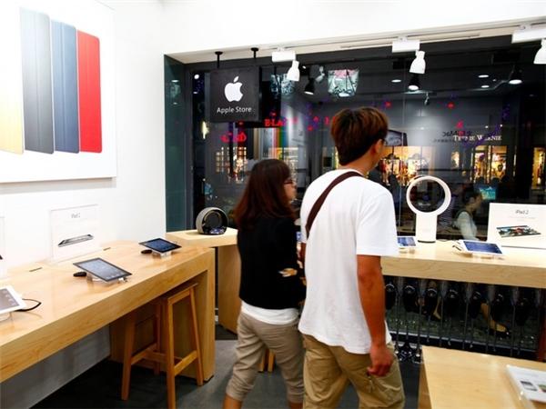 Apple Store mọc lên như nấm, dẹp cái này lại mọc cái khác. (Ảnh: Weibo)