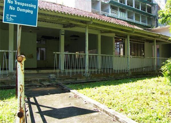 Rùng mình cảnh bên trong bệnh viện ma ám nổi tiếng nhất Singapore