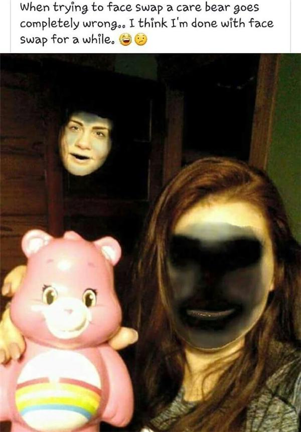 Cô gái này thử đổi gương mặt mình với gương mặt của chú gấu hồng, nhưng mọi thứ trở nên sai ơi là sai khi...(Ảnh: Internet)