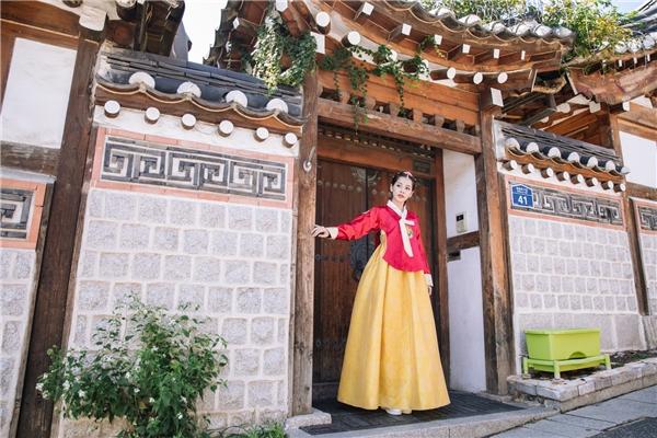 Đặc biệt, nữ diễn viên Tỉnh giấc tôi thấy mình trong aigây chú ý khi lần đầu diện trang phục Hanbok. - Tin sao Viet - Tin tuc sao Viet - Scandal sao Viet - Tin tuc cua Sao - Tin cua Sao