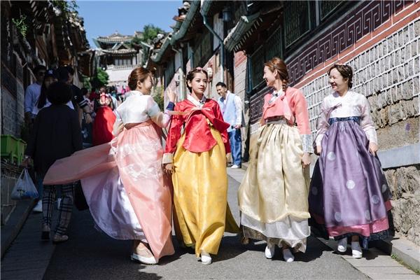 Chi Pu xinh như công chúa trong trang phục truyền thống Hàn Quốc - Tin sao Viet - Tin tuc sao Viet - Scandal sao Viet - Tin tuc cua Sao - Tin cua Sao