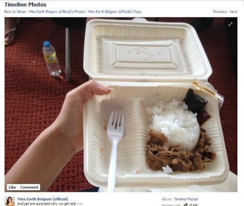 """Năm 2012, phần ăn của thí sinh được đại diện Bỉ chia sẻ trên trang cá nhân khiến công chúng """"dậy sóng"""" bởi không đầy đủ chất dinh dưỡng tối thiểu."""