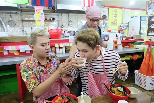 Đây là một cơ hội rất đặc biệt của haigương mặt trẻ khi cả hai MC được trải nghiệm nhiều điều thú vị tại đất nước Hàn Quốc xinh đẹp. - Tin sao Viet - Tin tuc sao Viet - Scandal sao Viet - Tin tuc cua Sao - Tin cua Sao