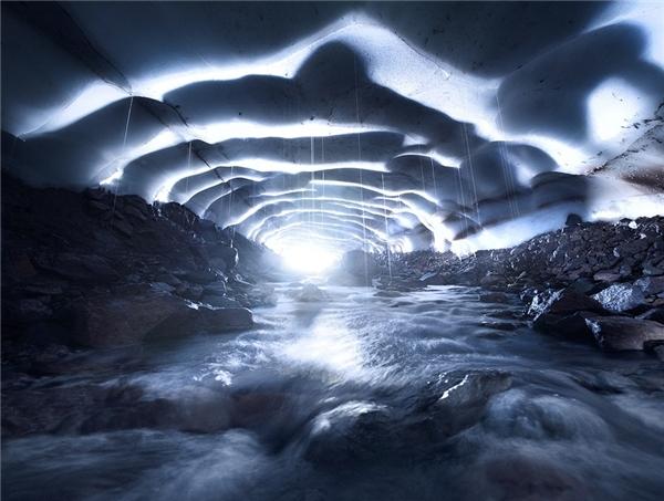 """Hình ảnh """"ảo diệu"""" như không gian... ngoài hành tinh này thực chất được chụp ởThree Sisters - ngọn núi lửa ngừng hoạt động tại tiểu bangOregon, Hoa Kỳ."""