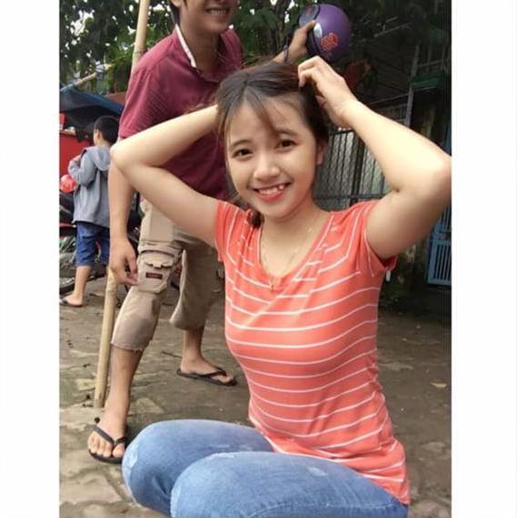 Bức ảnh của cô nàng xinh đẹp nhờ xóa anh chàng áo đỏ sau lưng.