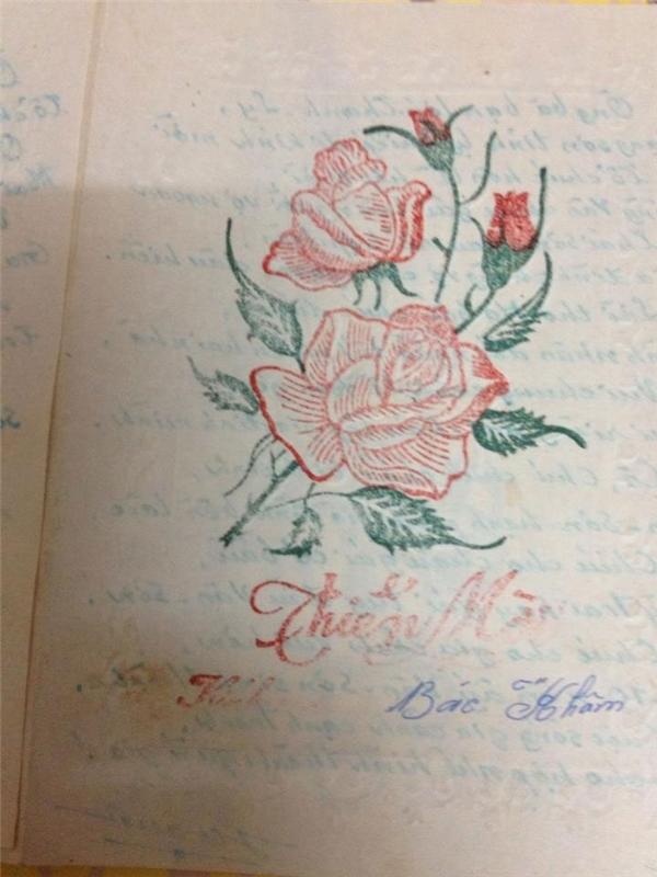 Thiệp cưới ngày xưa lànhững tờ giấy báo hỉ có ghi thời gian, địa điểm rõ ràng.