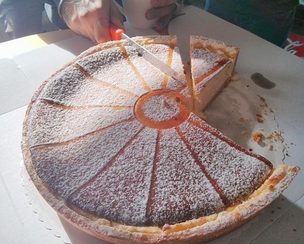 Mặc cho miếng bánh có hấp dẫnđến cỡ nào thì khó ai có thể thưởng thức nó một cách ngon miệng được.
