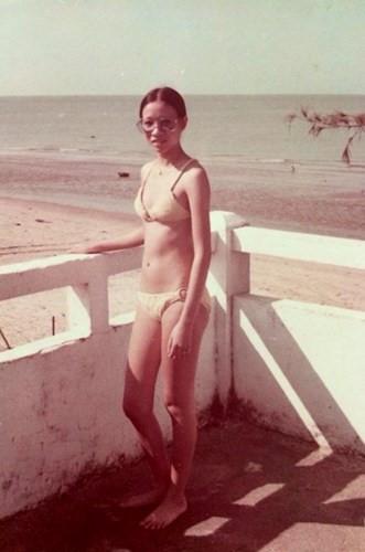 Nhìn lại những mẫu bikini cách đây khoảng 50 năm, không ai nghĩ phụ nữ Việt Nam thời xưa vô cùng quyến rũ, gợi cảm như thế. Những mẫu trang phục khá tương đồng với hiện nay.