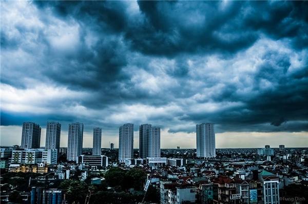 Trong 48 đến 72 giờ tiếp theo, bão di chuyển chủ yếu theo hướng Tây, mỗi giờ đi được 15-20 km.