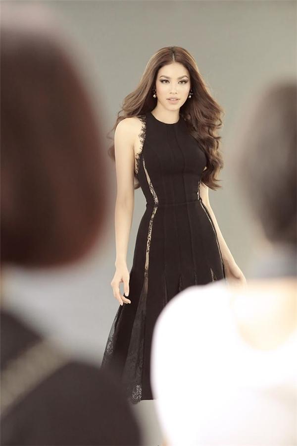 """""""Trận chiến"""" The Face trên sàn catwalk của Mai Ngô, Lilly Nguyễn"""