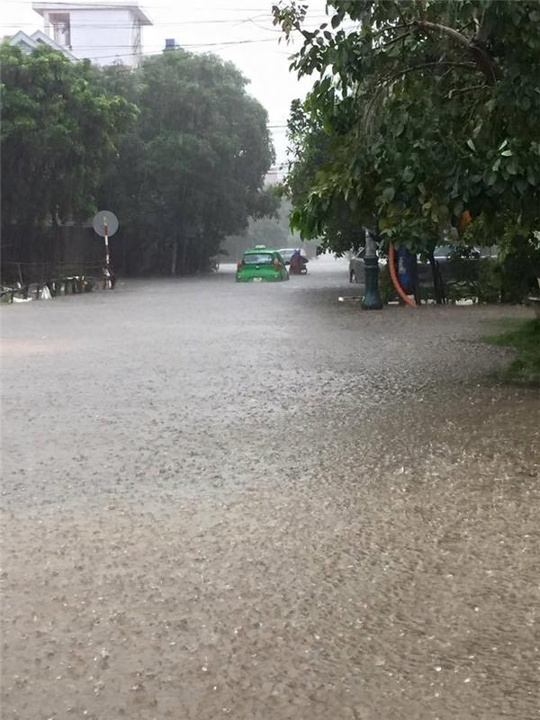 Tại Huế, mưa lớn đã khiến 2 người chếtvà mất tích.