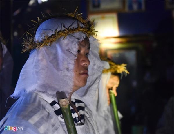 Miền Trung nước mắt chan mưa tiễn người nằm xuống trong cơn lũ lịch sử