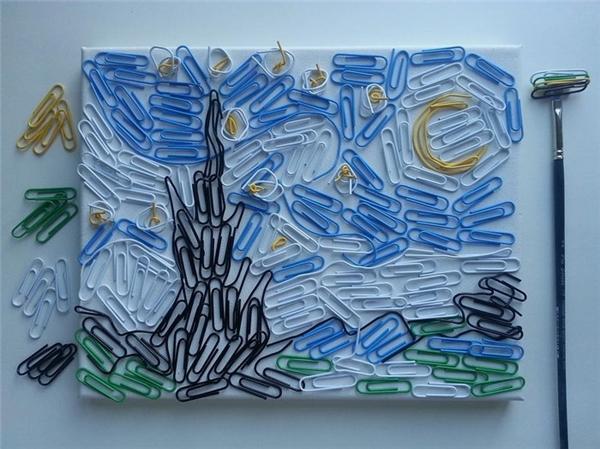 Sự mất trật tự của đồ vật đôi khi vô tình tạo ra những bức tranh đầy huyễn hoặc.