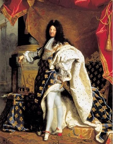 Đôi giày của vua Louis XIV được xem là một trong những thiết kế giày cao gót đầu tiên dành cho nam giới.