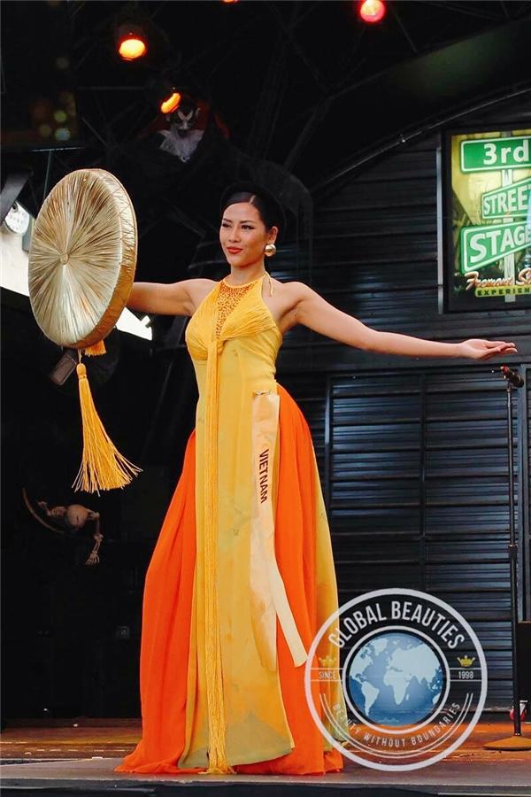 Theo thông tin từ phía ê-kíp của Nguyễn Thị Loan, trang phục này được nhà thiết kế Vũ Việt Hà hoàn thành từ khâu lên ý tưởng đến sản phẩm thật chỉ trong 5 ngày. Mặc dù vậy nhưng sau khi được công bố, trang phục dân tộc của Nguyễn Thị Loan nhận được rất nhiều phản hồi tích cực từ dư luận.