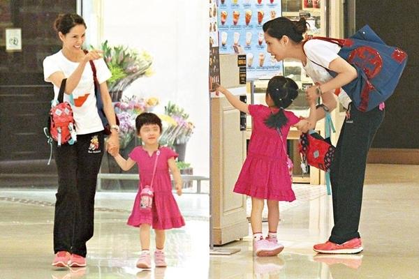 Lý Nhược Đồng nhận con của em gái là con nuôi và tìm thấy niềm vui của mình bên con trẻ.