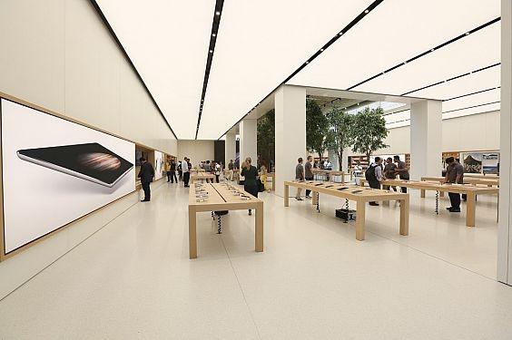 Hiện tại, cửa hàng Apple Store tại Dubai là cửa hàng bán lẻ sản phẩm lớn nhất của Apple.(Ảnh: internet)