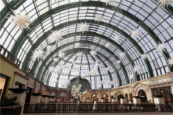 Được đặt trong trung tâm mua sắm Mall Of The Emirates cực kì rộng lớn.(Ảnh: internet)