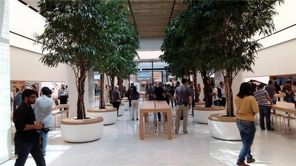Phong cách thiết kế ở đây giống hệt cửa hàng tại Brussels - Bỉ.(Ảnh: internet)