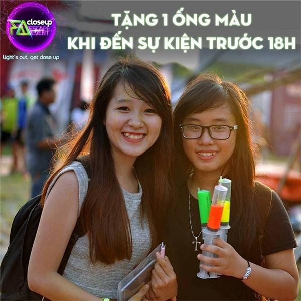 Nếu bạn muốn sở hữu một ống màu miễn phí thì đến trước 18 giờ nhé! - Tin sao Viet - Tin tuc sao Viet - Scandal sao Viet - Tin tuc cua Sao - Tin cua Sao