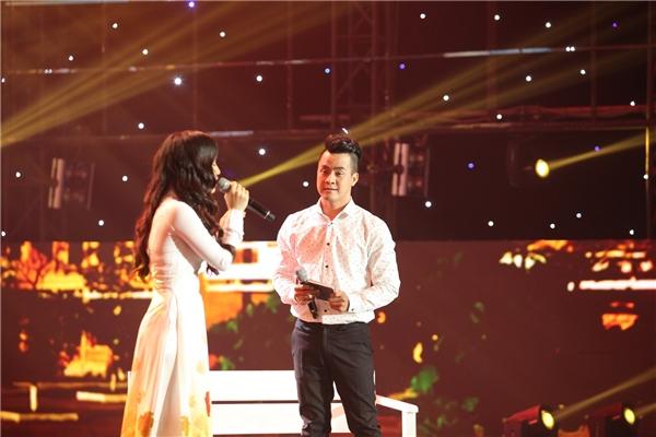 Mr Đàm phấn khích khi thấy học trò hôn nhau trên sân khấu - Tin sao Viet - Tin tuc sao Viet - Scandal sao Viet - Tin tuc cua Sao - Tin cua Sao