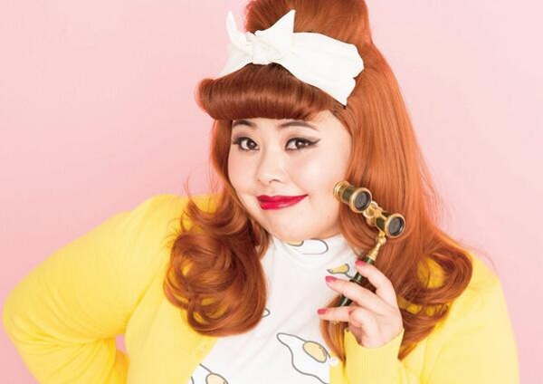 Naomi Watanabe là một hiện tượng thời trang của Nhật Bản, bất chấp cân nặng quá khổ.