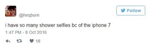 """""""Mình có quá trời hình tự sướng dưới vòi sen nhờ iPhone 7 ahihi""""."""