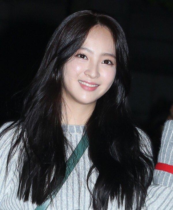 Nàng công chúa béo ú của chúng ta ngoài đời là nữ diễn viên Jung Hye Sung sở hữu gương mặt xinh đẹp cùng vóc dáng vô cùng thon gọn.