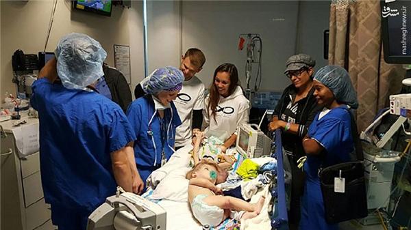 Mừng rơi nước mắt trước kết quả ca phẫu thuật song sinh dính liền đầu