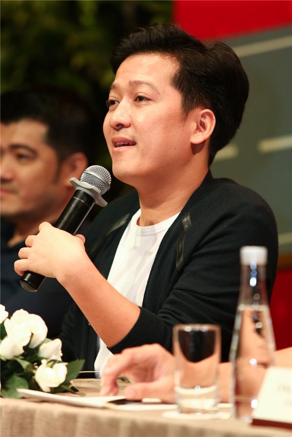 Bạn trai Nhã Phương khá xúc động khi nhắc về mẹ trong buổi họp báo, cũng trùng vào dịp 20/10. - Tin sao Viet - Tin tuc sao Viet - Scandal sao Viet - Tin tuc cua Sao - Tin cua Sao