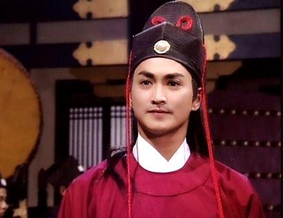 Hà Gia Kính đóng vaiTriển Chiêu trong bộ phim truyền hình Đài Loan Bao Thanh Thiên năm 1993.