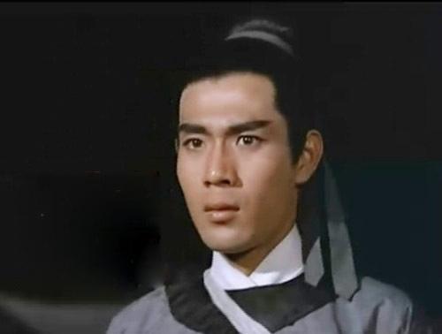 Trương Dực là diễn viên đầu tiên đóng vai Triển Chiêu trên màn ảnh trong bộ phimThất hiệp ngũ nghĩa năm 1967.