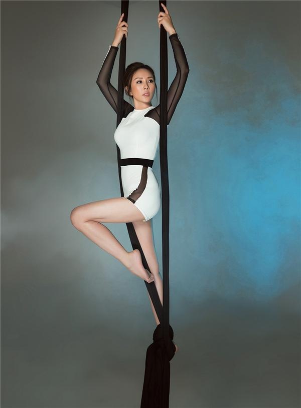 Vẻ đẹp không tuổi ở ngưỡng U40 của Hoa hậu Thu Hoài