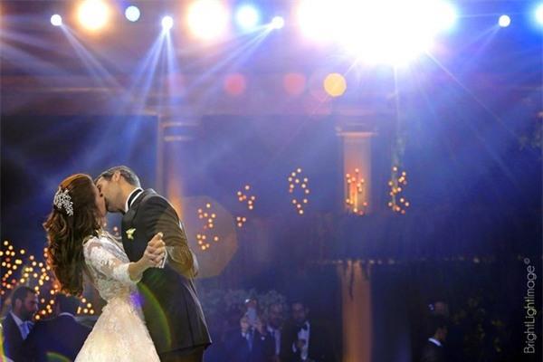Chàng doanh nhân Trung Đông chi bạo cho lễ cưới xa xỉ như hoàng gia