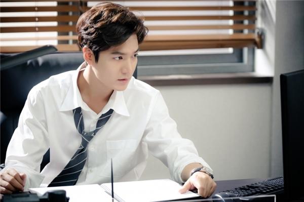 Lee Min Ho hoàn hảo hóa thân thành thiên tài lừa đảo bảnh trai