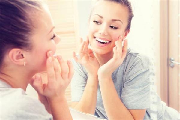 Để có làn da luôn tươi trẻ, bạn cần phải có những biện pháp chăm sóc thiết thực.